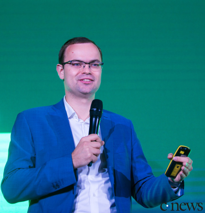 Владимир Клявин, региональный директор Veeam Software по России и СНГ, Грузии, Украине и Монголии: Чарлз Дарвин сказал когда-то, что выживает не самый сильный, а тот, кто лучше всех приспосабливается и готов меняться