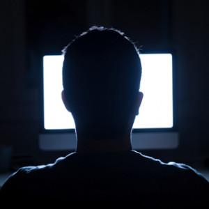 Свет мониторов разрушает клетки мозга и сетчатку глаз