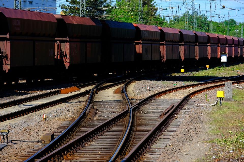 freighttrain2370093960720.jpg