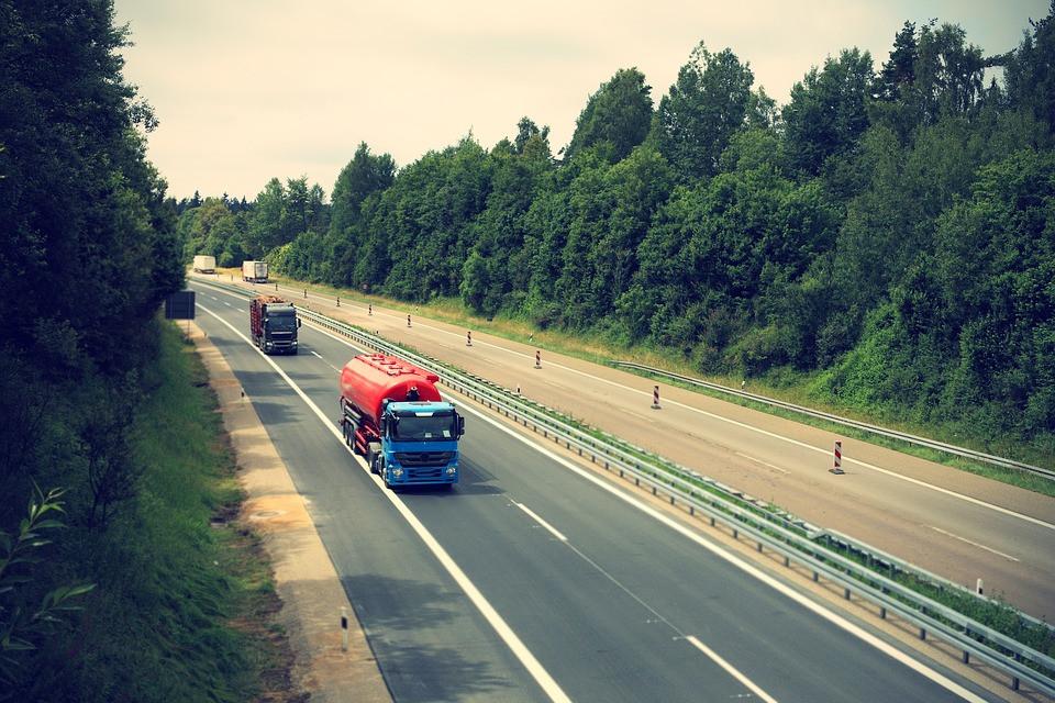 truck2138974960720.jpg