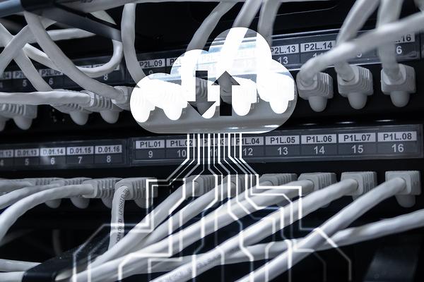 Гибкой и возможность адаптироваться под меняющиеся потребности позволяет произвести оперативное развертывание ИТ-ресурсов в новой реальности.