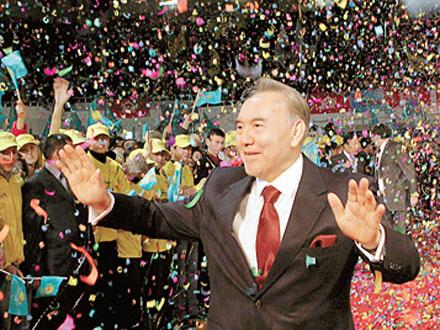 Одна из наиболее вероятных версий закрытия ЖЖ в Казахстане заключается в том, что таким образом страну пытаются отгородить от информации, распространяемой зятем Нурсултана Назарбаева