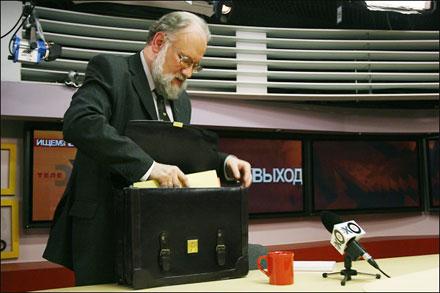 Председатель ЦИК Владимир Чуров надеется на 25% сократить затраты на федеральные выборы 2011 г. за счет использования новых технологий.
