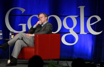 Эрик Шмидт работает в Google и Apple, но вряд ли Google пользуется этим фактом