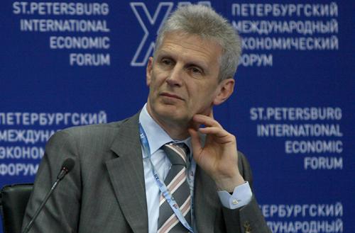 Андрей Фурсенко видит причину присоединения агентств к Минобрнауки в повышении персональной ответственности министра