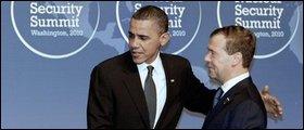 Медведев предложил Обаме общаться по SMS через iPhone