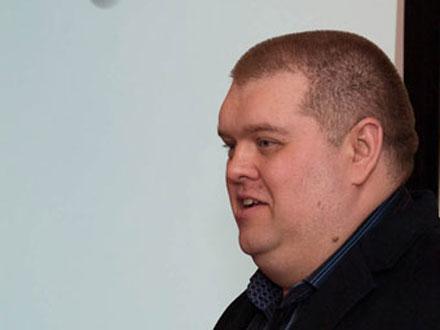 Российский офис Apple возглавил Алексей Бадаев, ранее работавший в Microsoft и запомнившийся коллегам нелюбовью к яблочным продуктам