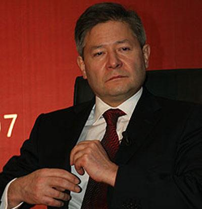 Потерпев фактическое административное поражение, Леонид Рейман уходит в отставку