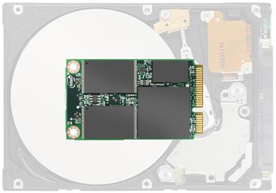 Intel показала SSD-накопитель размером с кредитную карту=
