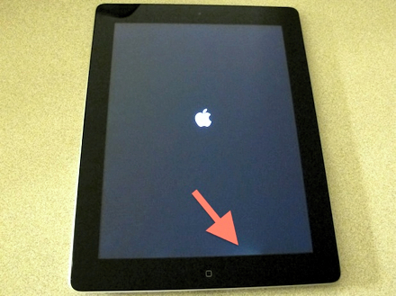 Пятна подсветки на краю экрана - наиболее распространенный дефект в iPad 2