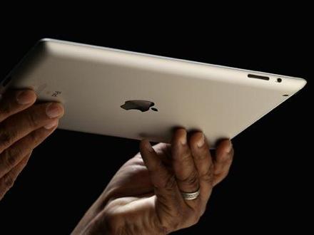 Желающим купить iPad c Retina-дисплеем придется подождать как минимум до следующего года