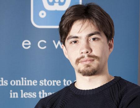 Руслан Фазлыев, проживая в Ульяновске, имеет клиентов по всему миру