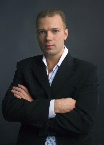 http://filearchive.cnews.ru/img/cnews/2013/02/05/yulmart_malishev.jpg