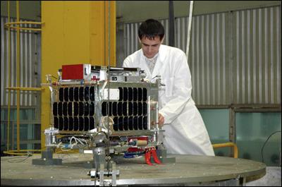 Российский микроспутник АИСТ. В ближайшем будущем подобные аппараты будут широко использоваться коммерческими организациями