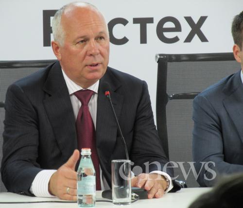 Сергей Чемезов раскрывает секретные планы Yota Devices по выпуску электронных учебников.