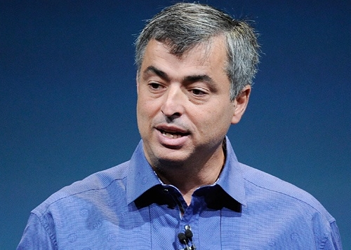 Предложение опокупке было сделано старшим вице-президентом Apple Эдди Кью