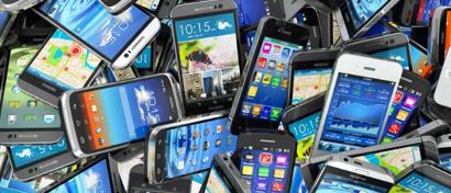 Продажи смартфонов в России выходят на докризисный уровень