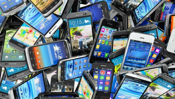 Поставки телефонов вРФ увеличились на40% ивернулись кдокризисному уровню