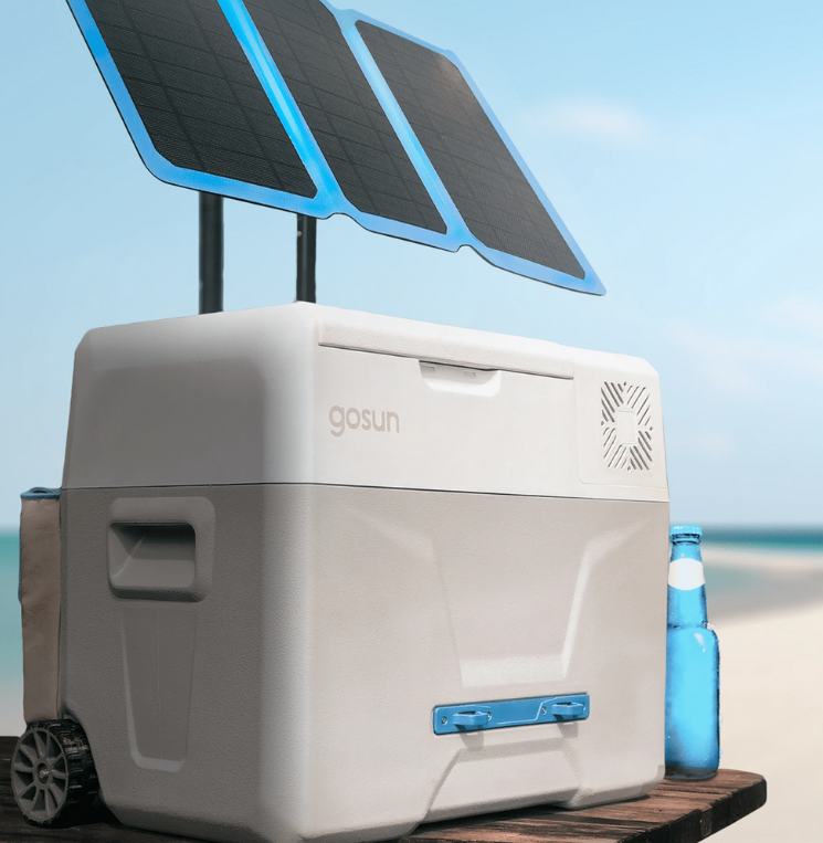 Холодильник на солнечных батареях стоит почти как классическая модель для большой кухни – около 40 000 рублей