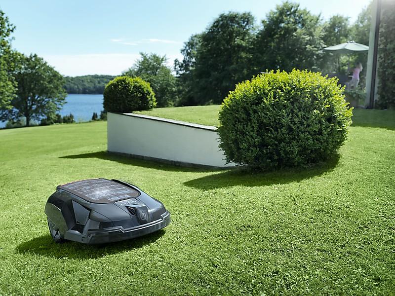 Робот-газонокосилка Husqvarna Automower SolarHybrid