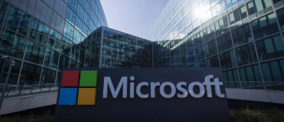 Чистая прибыль Microsoft упала на треть