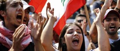 В Ливане идут «крупнейшие протесты», потому что власти решили брать деньги за Skype и WhatsApp. Видео