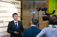 Артем Ермолаев дает комментарии CNews TV