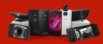 Motorola выпустила флагманский смартфон с небьющимся экраном. Видео