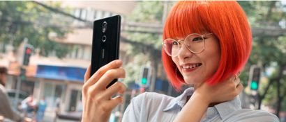 Nokia выпустила флагманский смартфон в стеклянном корпусе