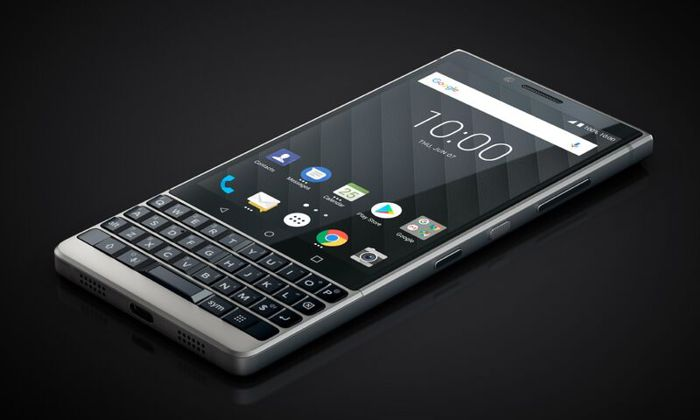 Представлен BlackBerry KEY2— новый смартфон саппаратной клавиатурой на андроид