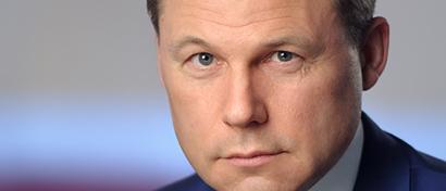 Экс-глава «Почты России» покинул Россию. Его астрономическая премия арестована