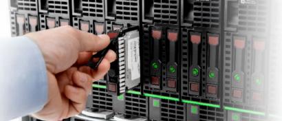 Продажи флэш-памяти растут, хотя рынок систем хранения данных падает