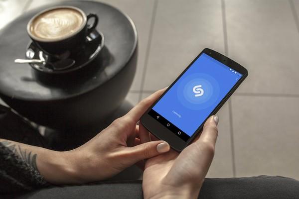Apple собирается приобрести приложение для распознавания музыки Shazam