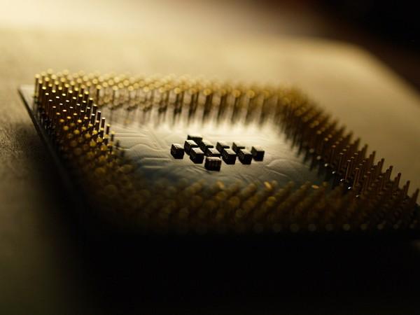 Впроцессорах Intel найдена критическая уязвимость