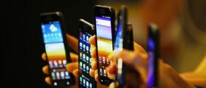 Российский рынок смартфонов взлетел перед тем, как рухнуть в пропасть