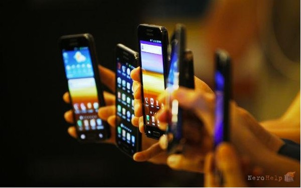 smartphones600.jpg
