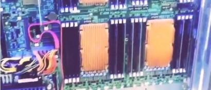 Создан первый сервер на восьмиядерных «Эльбрусах». Он «утоплен» в «аквариуме»