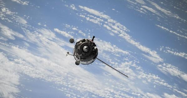 satellite600.jpg