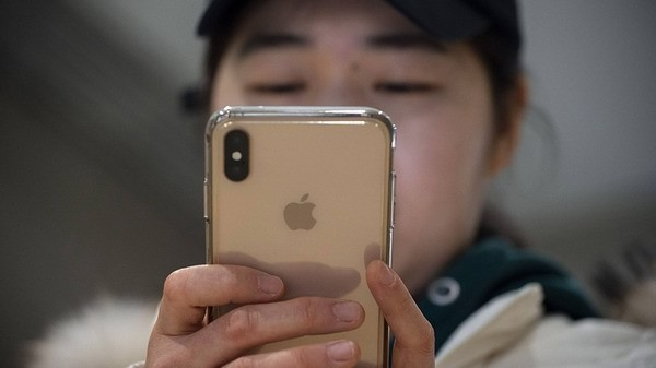 Лояльность собственников iPhone упала дорекордно низкого уровня