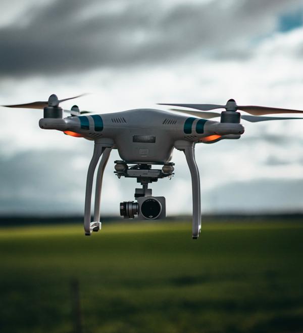 cameradroneflight600.png