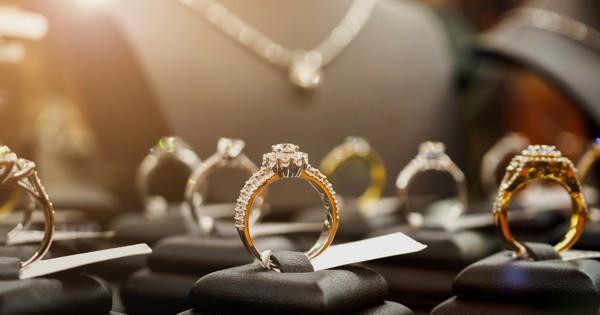 jewelry600.jpg