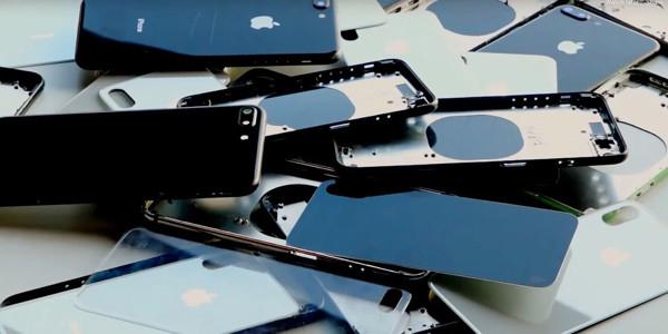 iphones1600.jpg