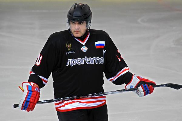 mishustinhockey600.jpg