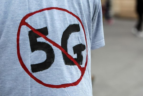 Украинцы восстали против 5G: Они требуют запретить эти сети