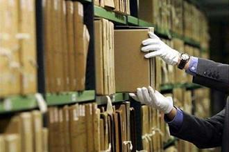 Власти хотят лишить российский бизнес бумажных архивов