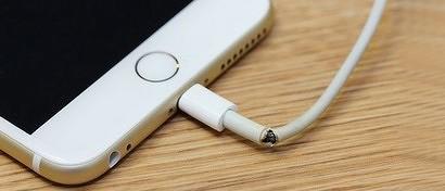 Из коробок с iPhone исчезнут знаменитые самоуничтожающиеся кабели. Apple изобрела кабель, который не ломается
