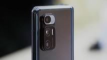 Xiaomi создала первый смартфон с гибким экраном и установила на него «Windows»