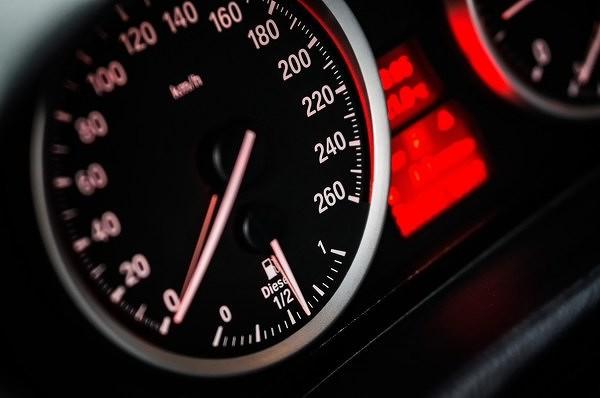 speedometer12496101920600.jpg