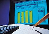 Отраслевые ИТ-бюджеты по-разному делятся между ИТ-отделами и внешними поставщиками