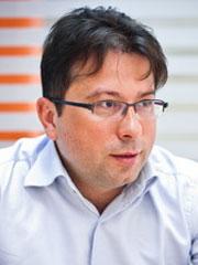 Владимир Комов